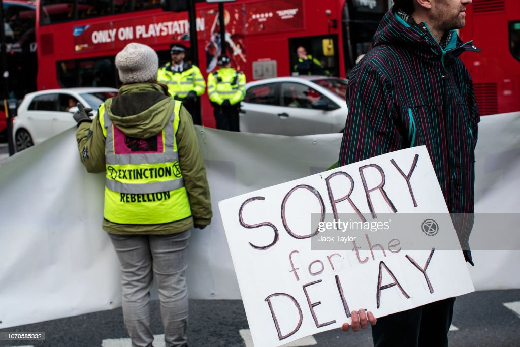 Climate Change Protesters Bring Central London To A Standstill : Nieuwsfoto's