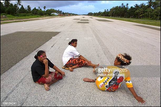 Climate Warming And Water Rise Threaten Pacific Nation Of Tuvalu On January 4Th 2002 In Funafuti Tuvalu In The Evening The Inhabitants Of Funafuti...
