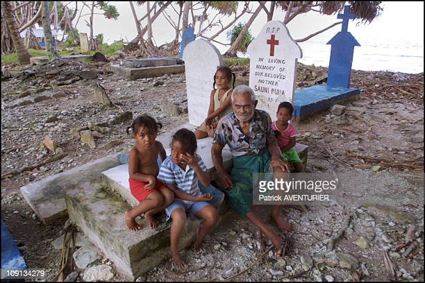 Climate Warming And Water Rise Threaten Pacific Nation Of Tuvalu On January 4Th 2002 In Funafuti Tuvalu On The Tomb Of The Family A Few Meters Form...
