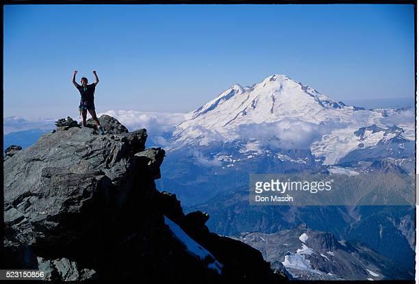 climber on top of mount shuksan - 率先 ストックフォトと画像