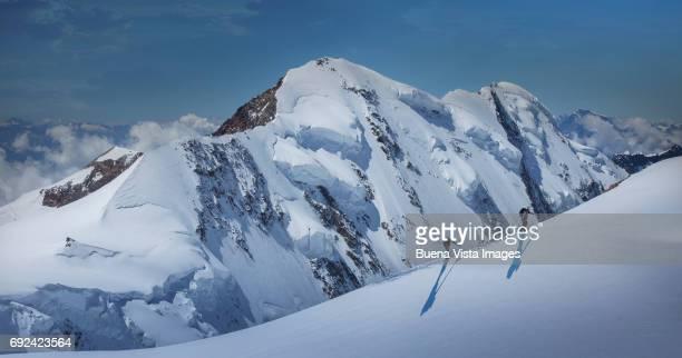 climbers on a snowy slope. - monte rosa foto e immagini stock