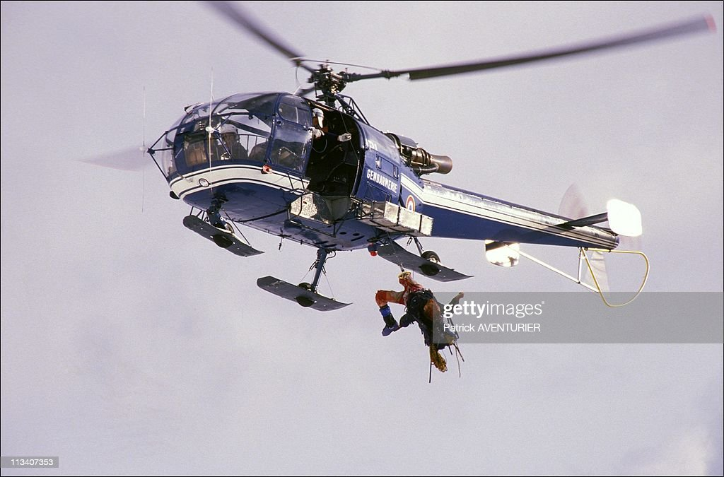 Climbing accident on Mont Blanc and rescue operation On August 1st, 1986 In France : News Photo