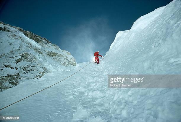 climbing the khumbu ice falls - エベレスト ストックフォトと画像
