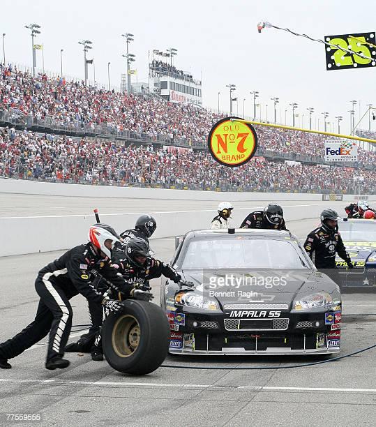 Clint Bowyer pits during the NASCAR NEXTEL Cup Series, Dodge Avenger 500, May 13 Darlington Raceway, Darlington, South Carolina.