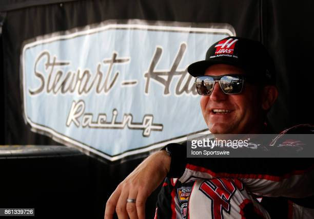 Clint Bowyer StewartHaas Racing Haas Automation Ford Fusion during practice for the Alabama 500 on October 13 2017 at Talladega Superspeedway in...