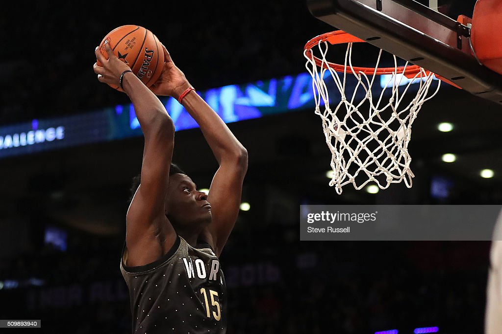Team World plays Team USA in the Rising Stars Challenge during the NBA 2016 All-Star Weekend : News Photo