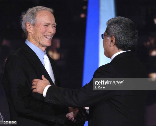 Clint Eastwood presents the Vanguard Award to Terry Semel