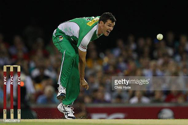 Clint McKay of the Stars bowls during the T20 Big Bash League match between the Brisbane Heat and the Melbourne Stars at The Gabba on December 20...