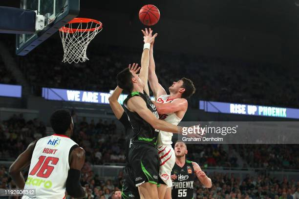 Clint Steindl of the Wildcats drives at the basket during the round 10 NBL match between the South East Melbourne Phoenix and the Perth Wildcats at...