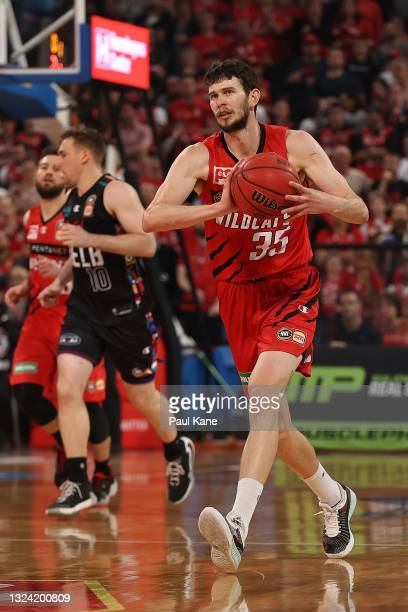 Clint Steindl of the Wildcats passes the ball during game one of the NBL Grand Final Series between the Perth Wildcats and Melbourne United at RAC...