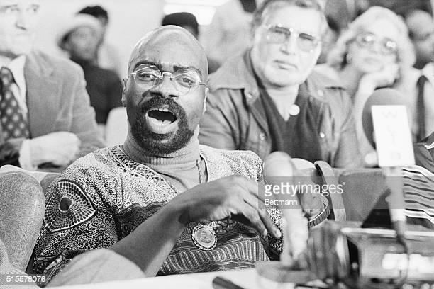 """Clinton, NJ:Former middleweight fighter Rubin """"Hurricane"""" Carter speaks to the press at New Jersey's Clinton Prison 3/17 after the state Supreme..."""