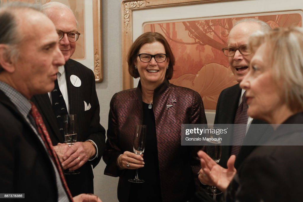 Clinton Standart and guests during the Macklowe Gallery Hosts 2018 Winter Antiques Show Kickoff Event at 445 Park Avenue on December 6, 2017 in New York City.
