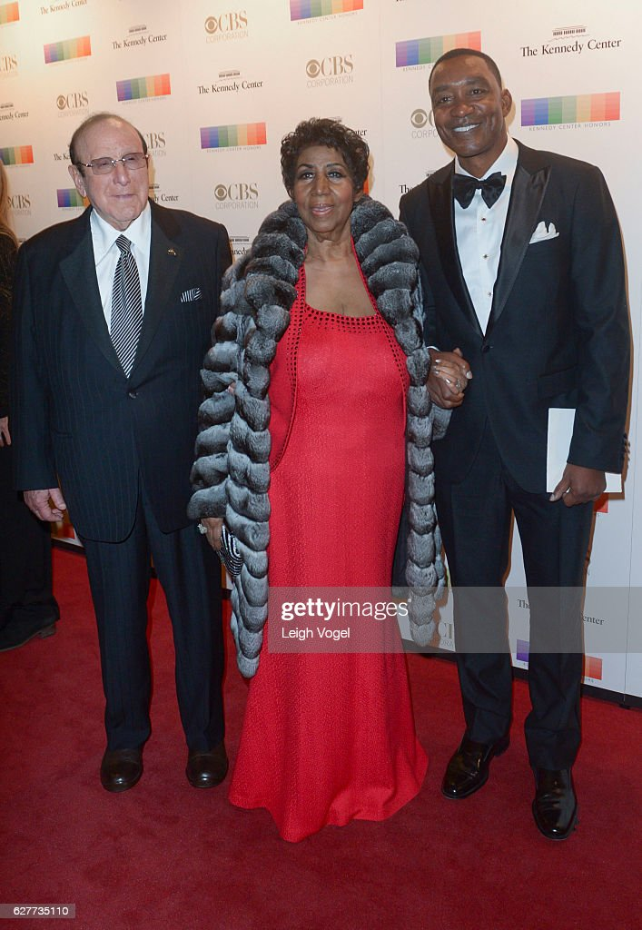 Clive Davis, Aretha Franklin and Isiah Thomas arrive at the 39th Annual Kennedy Center Honors at The Kennedy Center on December 4, 2016 in Washington, DC.