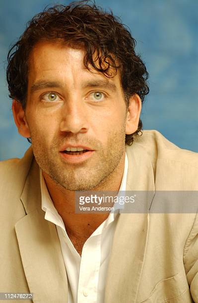 Clive Owen during 'Beyond Borders' Press Conference with Angelina Jolie Clive Owen at Dorchester Hotel in London Great Britain