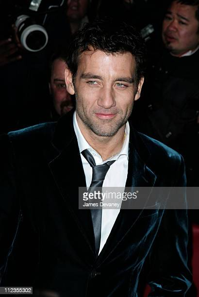 Clive Owen during 'Inside Man' New York City Premiere Outside Arrivals at Ziegfeld Theater in New York City New York United States