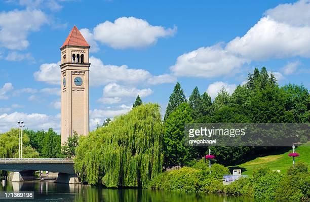 torre do relógio no riverfront park em spokane, wa - riverfront park spokane - fotografias e filmes do acervo