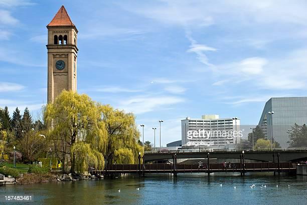 torre do relógio no riverfront park em spokane, washington - riverfront park spokane - fotografias e filmes do acervo