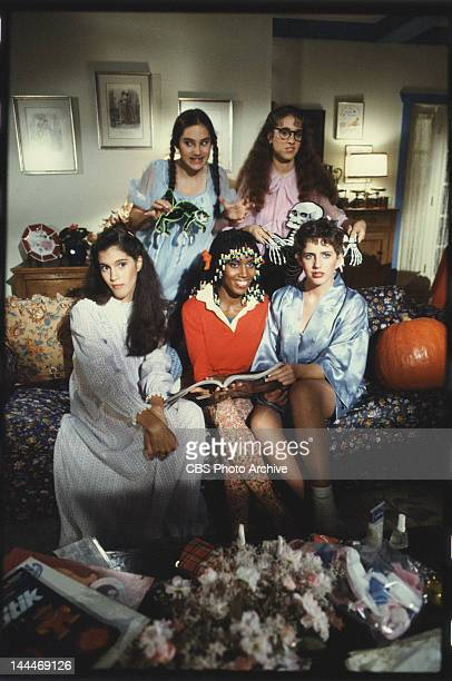 PEGS clockwise from left Amy Linker as Lauren Hutchinson Sarah Jessica Parker as Patty Greene Tracy Nelson as Jennifer DeNuccio Claudette Wells as...