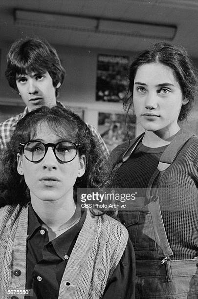 Clockwise from top left John Femia as Marshall Blechtman Amy Linker as Lauren Hutchinson and Sarah Jessica Parker as Patty Greene in the pilot...