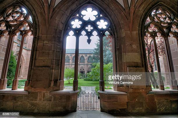 cloister in mainz cathedral, germany - cloister stock pictures, royalty-free photos & images