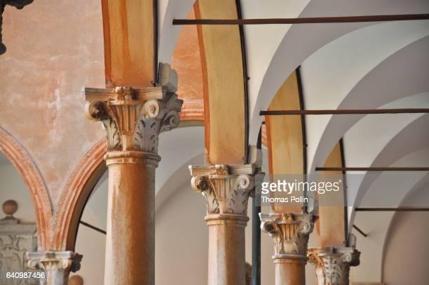 cloister in ravenna - ラヴェンナ ストックフォトと画像
