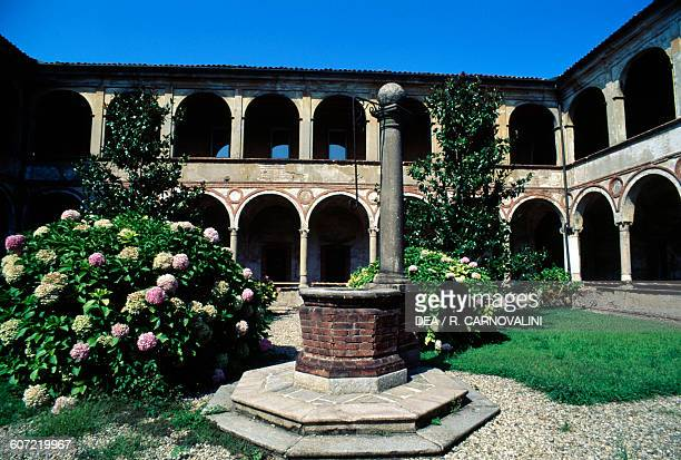 Cloister of St Felice, San Felice Palace, Pavia, Lombardy, Italia, 16th century.