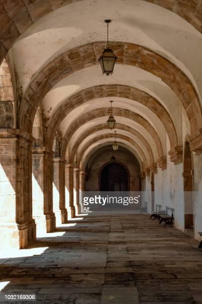 cloister of the convent of santa clara-a-nova in coimbra, coimbra, portugal - nonnenkloster stock-fotos und bilder