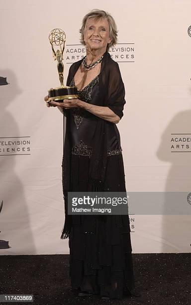 Cloris Leachman winner Outstanding Guest Actress In A Comedy Series for Malcolm In The Middle
