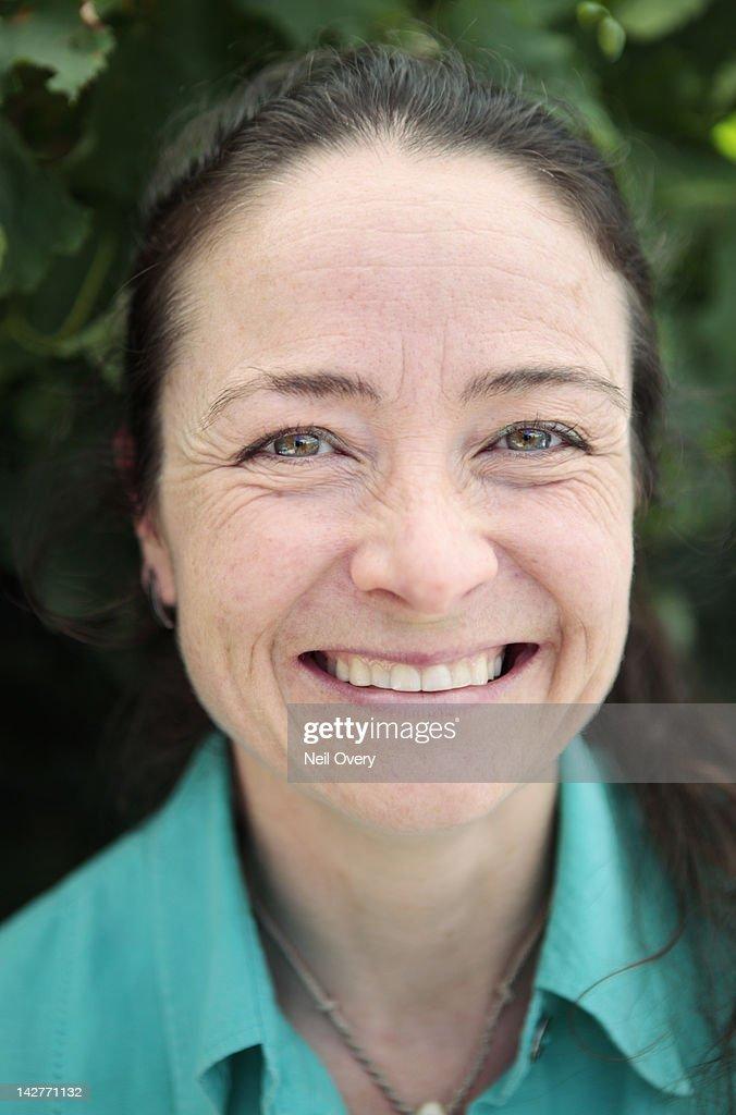 Close Crop of Mature Woman : Foto de stock