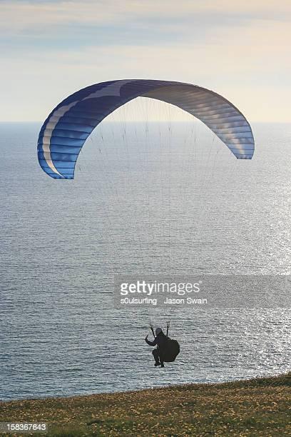 close to the edge. - s0ulsurfing ストックフォトと画像