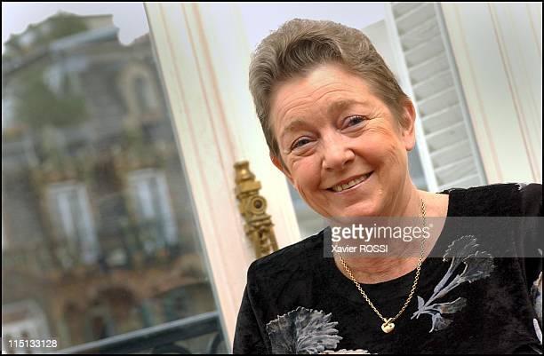 Close up actress Marie Dubois in Paris France on November 25 2002 Marie Dubois publishes a new book J'ai pas menti j'ai pas tout dit by Plon