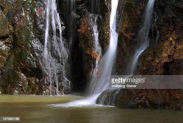 Nahaufnahme von einem Wasserfall in samui Insel