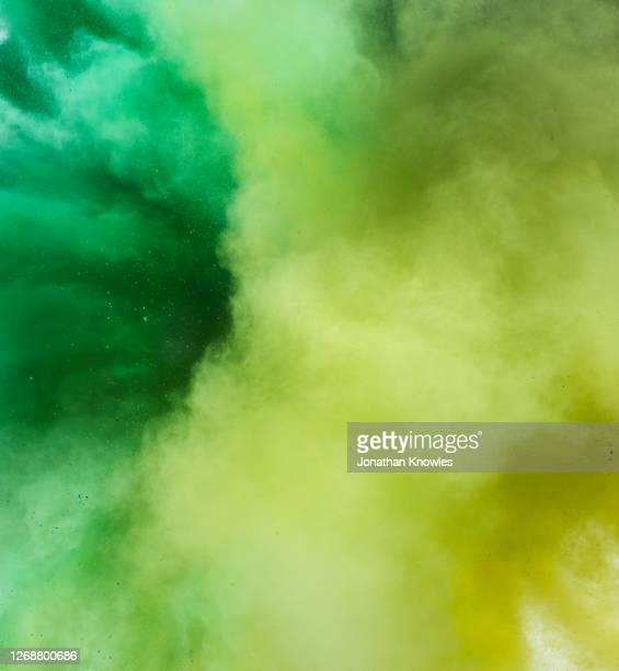 close up green and yellow powder - extreme close up stock pictures, royalty-free photos & images