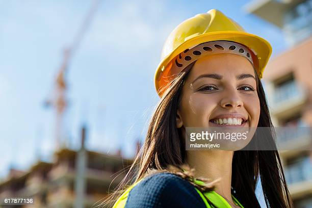 close up of a female engineer at construction site - proteção - fotografias e filmes do acervo