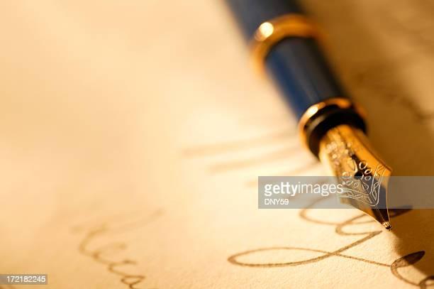 クローズアップ、万年筆と署名