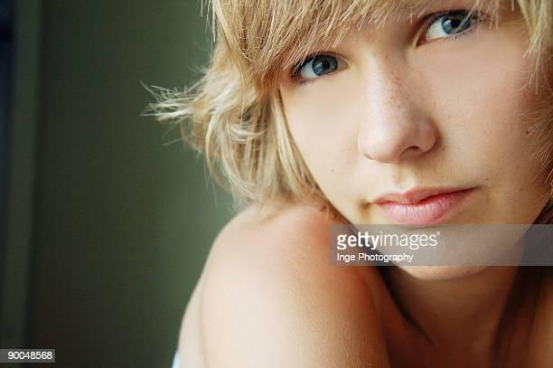 close up of a girl - naakte meisjes stockfoto's en -beelden
