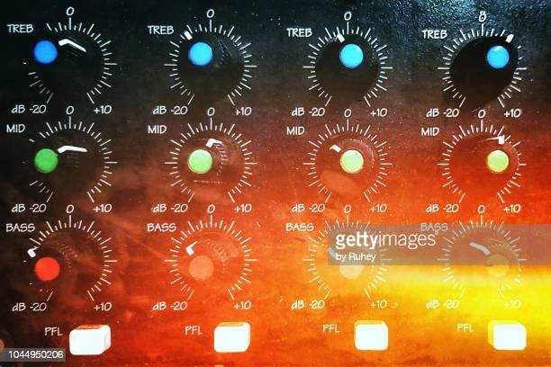 close up of a music mixer with a vintage effect - gol di pareggio foto e immagini stock