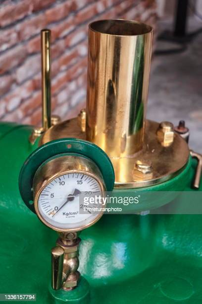 close up of a pressure gauge on a boiler. - emreturanphoto stock pictures, royalty-free photos & images