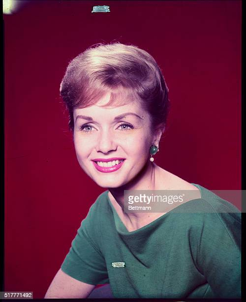 Close up of Actress Debbie Reynolds