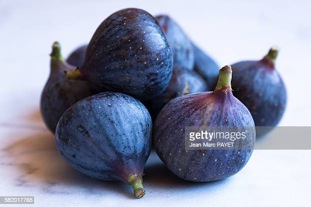 close up of figs fruits. - jean marc payet stock pictures, royalty-free photos & images