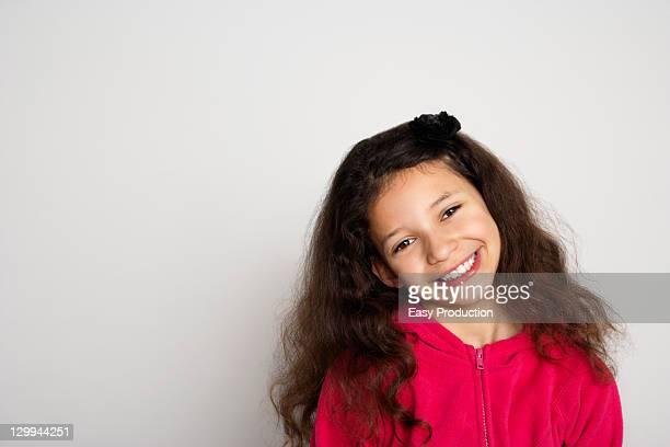 Primer plano de la cara de niña sonriente