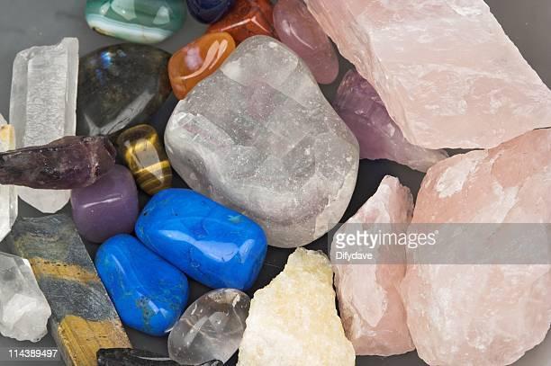 ヒーリングクリスタルのクローズアップ - 孔雀石 ストックフォトと画像