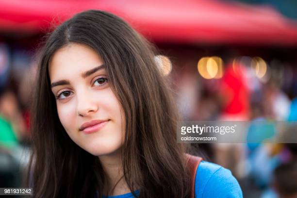 Pictures romanian girls Single women