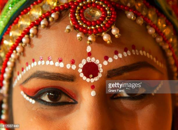 close up of lovely hindu lady. - bindi stock pictures, royalty-free photos & images