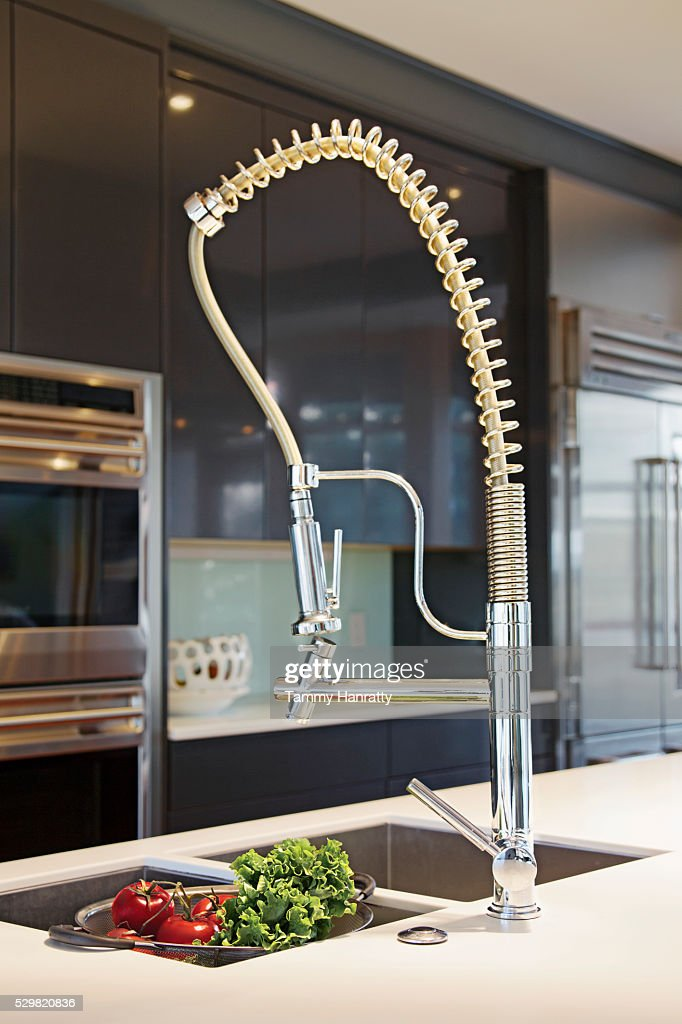 Close up of modern kitchen sink : Stockfoto