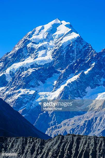 close up of mount cook, the highest mountain in new zealand, unesco world heritage site, south island, new zealand, pacific - international landmark stock pictures, royalty-free photos & images