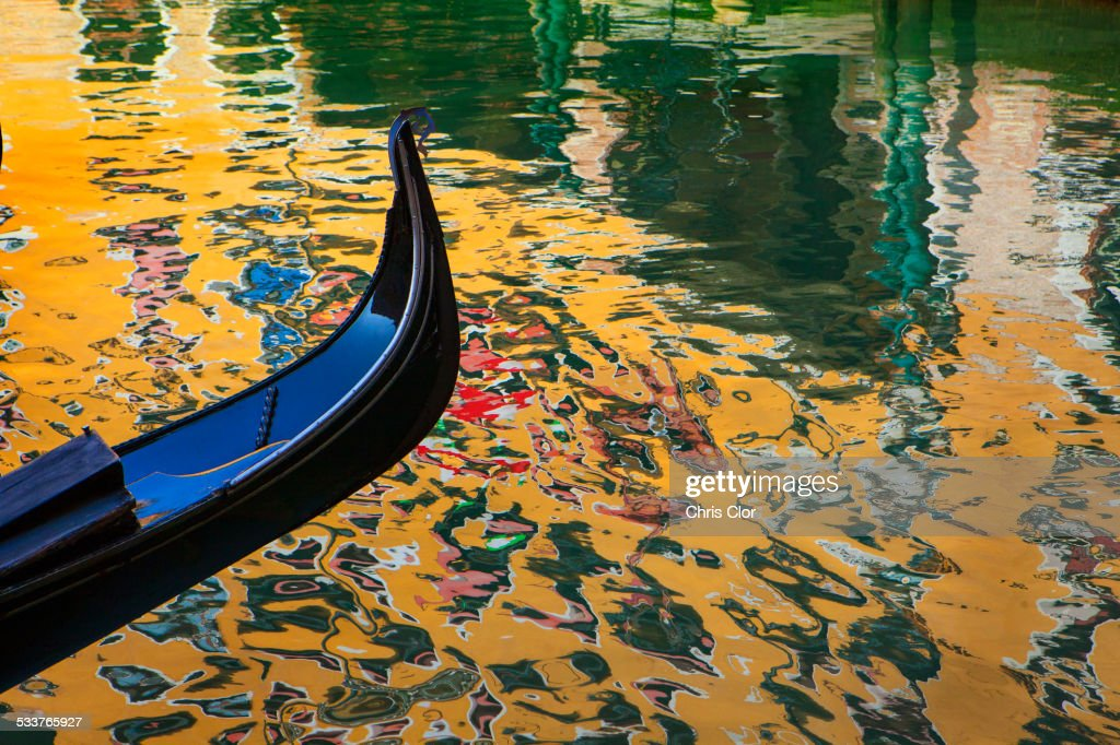 Close up of ornate gondola on canal : Foto stock
