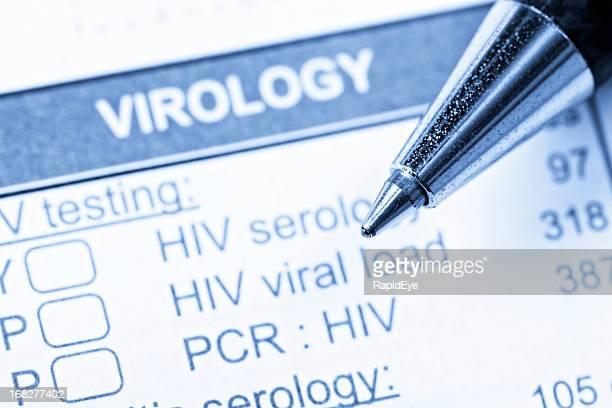 Plano aproximado da caneta em forma de Virologia encomendar VIH/SIDA testes