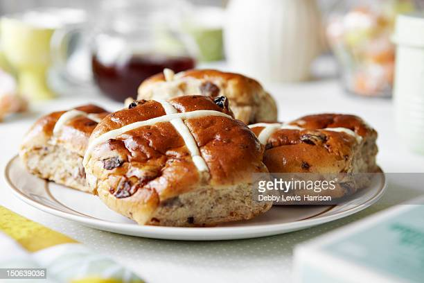 close up of plate of scones - hot cross bun stock pictures, royalty-free photos & images