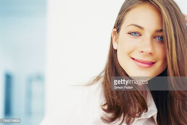 Close-up de mulher sorridente rosto